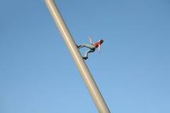Vrouw die aan de Hemel lopen Stock Afbeelding