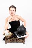 Vrouw die of aan risicogevangenis voor geld mediteren Stock Foto's