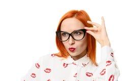 Vrouw die de glazen van het kattenoog draagt Royalty-vrije Stock Foto's