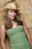 Vrouw die de Hoed van de Cowboy draagt stock foto