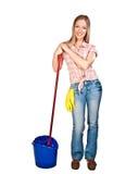 Vrouw die de vloer schoonmaakt Stock Foto