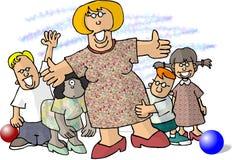 Vrouw die door kleine kinderen wordt omringd Stock Foto