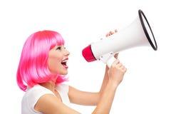 Vrouw die door megafoon schreeuwen Stock Foto