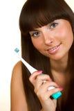 Vrouw die een tandenborstel houdt Royalty-vrije Stock Foto