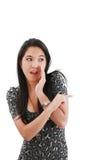 Vrouw die en op iemand verrast richt Stock Afbeelding