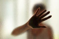 Vrouw die Haar Gezicht behandelt Stock Foto's