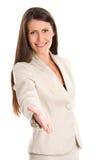 Vrouw die hand aanbiedt aan handdruk Royalty-vrije Stock Fotografie