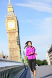 Vrouw die in Londen lopen Stock Fotografie