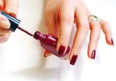 Vrouw die manicure voorbereidt Royalty-vrije Stock Afbeelding