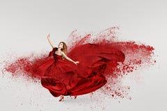 Vrouw die met wolk van poeder dansen Royalty-vrije Stock Fotografie