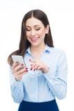 Vrouw die Mobiele Telefoon met behulp van Stock Foto's