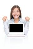 Vrouw die netbook laptop toont stock afbeeldingen