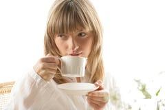 Vrouw die ontbijt heeft Royalty-vrije Stock Fotografie