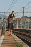Vrouw die op een reis weggaan royalty-vrije stock fotografie