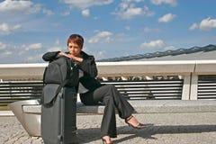Vrouw die op een reis weggaat Stock Afbeeldingen
