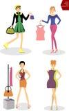 Vrouw die op kleding, Vrouw proberen die, Vrouw in montageruimte winkelen Stock Foto