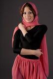 Vrouw die sjaal draagt royalty-vrije stock fotografie