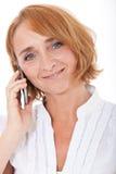 Vrouw die Slimme Telefoon met behulp van Royalty-vrije Stock Afbeelding