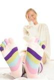 Vrouw die sokken draagt Stock Foto's