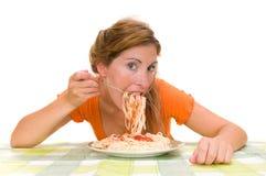 Vrouw die spaghetti eet Royalty-vrije Stock Foto