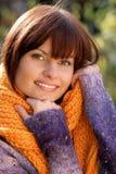 Vrouw die sweater draagt royalty-vrije stock afbeeldingen