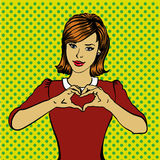 Vrouw die van de pop-art retro stijl het teken van de harthand tonen Grappige getrokken ontwerp vectorillustratie Stock Afbeeldingen