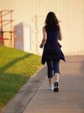 Vrouw die voor Oefening loopt Stock Afbeeldingen