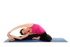 Vrouw die yoga doet Royalty-vrije Stock Foto's