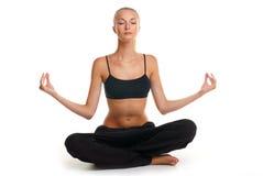 Vrouw die yogaoefening doet Royalty-vrije Stock Foto's