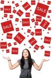 Vrouw die zich op verkoop verheugt Royalty-vrije Stock Foto