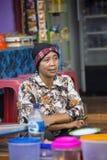 Vrouw, dorp Toyopakeh, Nusa Penida 21 Juni 2015 Indonesië Stock Foto