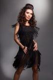 Vrouw in een dansende kleding Stock Fotografie
