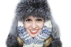 Vrouw in een de winterhoed royalty-vrije stock afbeeldingen