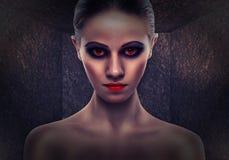 Vrouw een heks, kwaad. Halloween stock foto