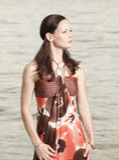 Vrouw in een modieuze kleding Royalty-vrije Stock Foto