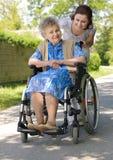Vrouw in een rolstoel Royalty-vrije Stock Fotografie