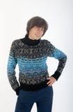 Vrouw in een sweater Stock Afbeeldingen
