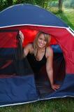 Vrouw in een Tent stock afbeelding