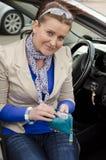 Vrouw en auto Royalty-vrije Stock Afbeelding