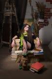 Vrouw en boeken Stock Afbeeldingen