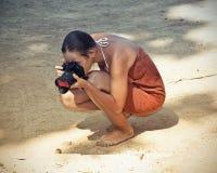 Vrouw en camera royalty-vrije stock afbeelding