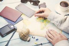 Vrouw en kaart Royalty-vrije Stock Afbeelding