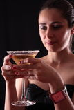 Vrouw en martini glas Stock Afbeelding