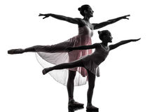 Vrouw en meisjeballerinaballetdanser die silhouett dansen Stock Fotografie