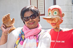 Vrouw en Pinocchio royalty-vrije stock foto's