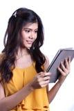 Vrouw en Tablet Royalty-vrije Stock Afbeeldingen