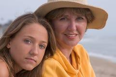vrouw en tiener Stock Foto's