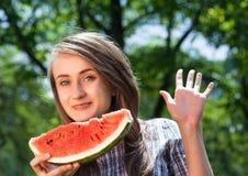 Vrouw en watermeloen Stock Fotografie