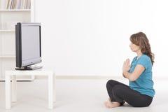 Vrouw exercisng thuis stock fotografie