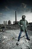 Vrouw in gasmasker Stock Foto's